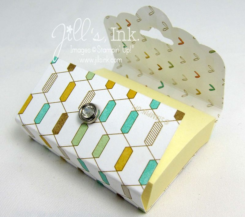 Scallop Tag Topper Post-it Holder Open